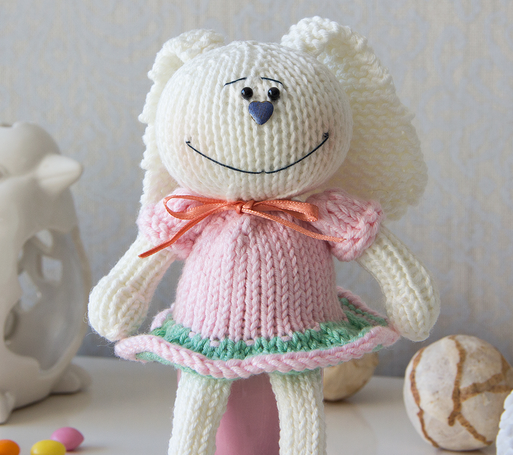 Easter Crochet Pattern Round Up - Spring is springing! - Dora Does | 933x1052